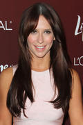 th_24316_Jennifer_Love_Hewitt_arrives_at_the_3rd_Annual_Variety_s_Power_of_Women_Event_122_344lo.JPG