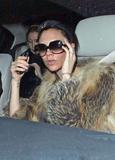 Victoria Beckham - Страница 14 Th_56514_celebrity-paradise.com_Victoria_Beckham_arriving_At_Hotel_014_122_356lo