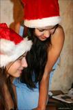 Vika - Kamilla - Merry Christmasq0oe3cehqn.jpg