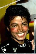 1983 - Thriller Certified Platinum  Th_579278386_183879_191228984243119_354856_n_122_468lo