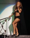 Mariah Carey Just one with her pooch Foto 717 (Марайа Кэри Лишь один со своей дворняжка Фото 717)