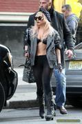 [Image: th_73000_Lady_Gaga_11_122_566lo.JPG]