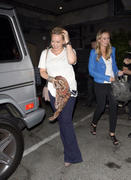 http://img105.imagevenue.com/loc587/th_658553802_Hilary_Duff_at_Ink_Restaurant_in_West_Hollywood17_122_587lo.jpg