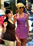 123mike HQ pictures of Victoria Th_02685_Victoria_Beckham_shopping_in_Beverly_Hills_006_123_896lo